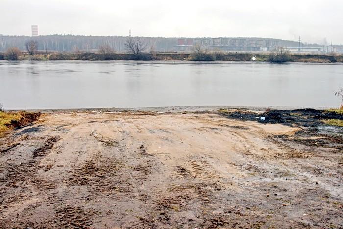 Причал для судов на воздушной подушке на окраине Андреевского