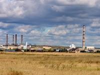 Вид на заводы за рекой