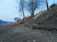 Засыпка берега Москва-реки у Боровского кургана - март 2014