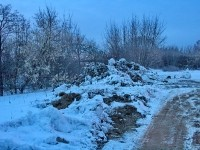 Отвалы грунта в водоохранной зоне Москва-реки