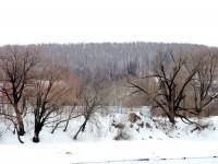Вид на огороженный берег от Заозерья