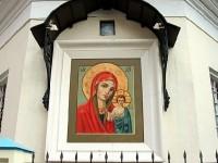 Уличная икона - Храм Казанской иконы Божией Матери в Молокове