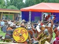 Сражение племен в разгаре