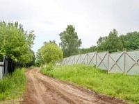 Забор вдоль дороги у родника - июнь 2013