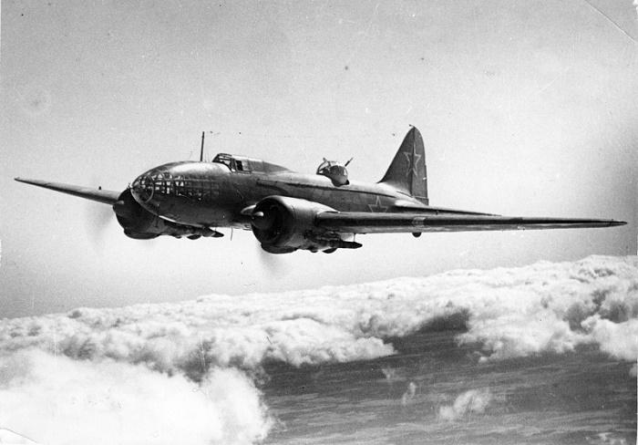 Бомбардировщик Ил-4 в воздухе