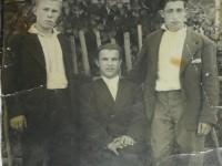 Сыновья Ивана Грошкова - Виктор (слева), Александр (в середине) и племянник Виктор (справа).