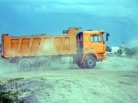 Выезд груженой машины на Володарку - июнь 2013