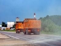 Машины с песком выехали на Володарского шоссе - июнь 2013