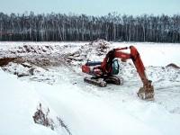 Экскаватор в карьере у пос. Володарского - зима 2012