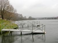 Помосты на берегу озера