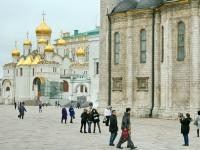 Вид через Соборную площадь на Благовещенский Собор