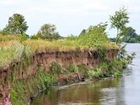 Обрывистый берег Москва-реки в районе Дурнихи
