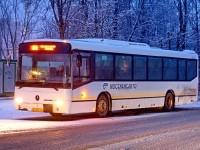 Автобус номер 351 на конечной в поселке Володарского