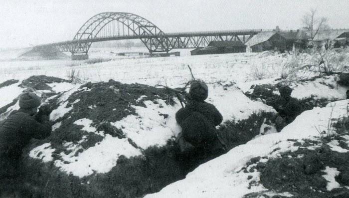 Оборона моста через канал имени Москвы в Химках в 1941 году