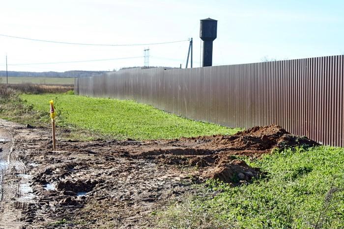 Несанкционированное подключение к водопроводу в деревне Титово