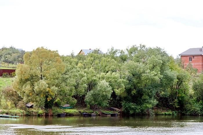 Вид на Титово с Москва-реки