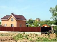 Дом одного из новых жителей Титово
