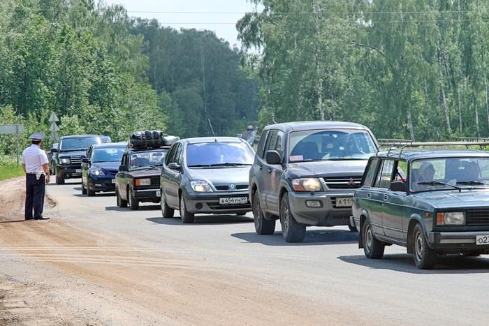 Пробка на володарском, молоковском шоссе на повороте на Андреевское