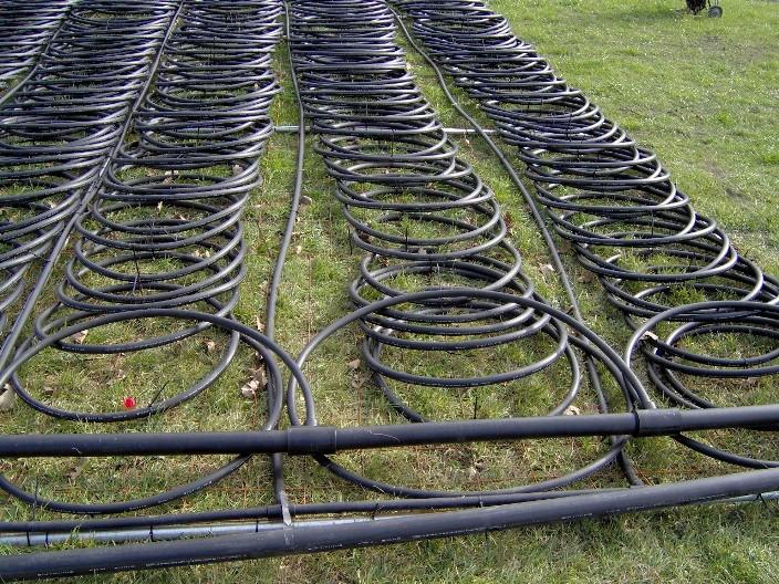 Трубы горизонтального теплового насоса (фото из Wikipedia)