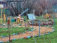 Самодельная детская площадка в Зеленой Слободе