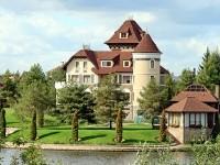 Дворец напротив Боровского кургана