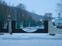 Новые ворота обустраиваемой территории - март 2014