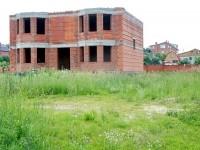 Остовы брошенных домов - июнь 2013