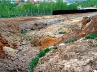 Раскопанный склон Боровского кургана на окраине Чулково
