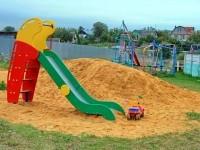 Новая горка на детской площадке - август 2013
