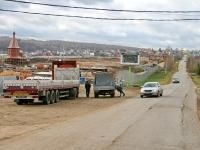 Будущий Илья Муромец строится слева от въезда в Большое Саврасово