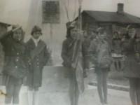 Пионерский караул у памятника участникам Великой Отечественной войны в Нижнем Мячково
