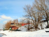На берегу Москва-реки в деревне Каменное Тяжино