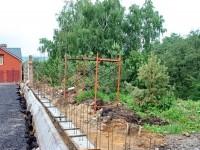 Забор по склону к реке Москва - июнь 2013