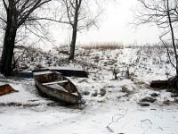 Лодка на берегу Москва-реки