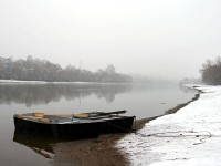 Москва-река, берег и лодки