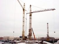 Краны стройки жилого комплекса Новые Островцы - март 2013 года