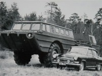 Амфибия Грачева ПЭУ-2 (ЗИЛ-5901) и  легковой автомобиль на базе Чулково (из архива Яна Якушкина)