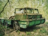 Остатки амфибии ЗИЛ-132П на испытательной базе СКБ ЗИЛ Чулково  (2003 год, из архива Яна Якушкина)