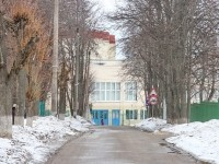 Дорога к школе в поселке Володарского