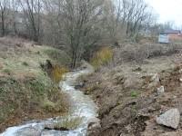 Бурный ручей в апреле 2013