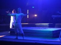 Акробаты закончили выступление