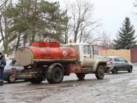 Бензовозы - частые гости на Володарском шоссе