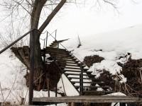Лестница на крутом берегу Москва-реки