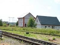 Дома на окраине Жуково у железнодорожной ветки
